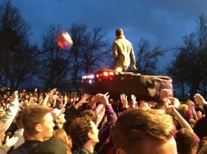 Ever-present beach balls amused the crowd all night